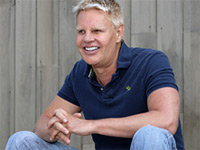 Abercrombie CEO's Face Draws Anger