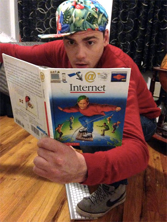 Surfing the Internet: This Guy Is Doing It Right