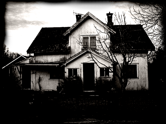 Creepy_House_by_kaoticum.png