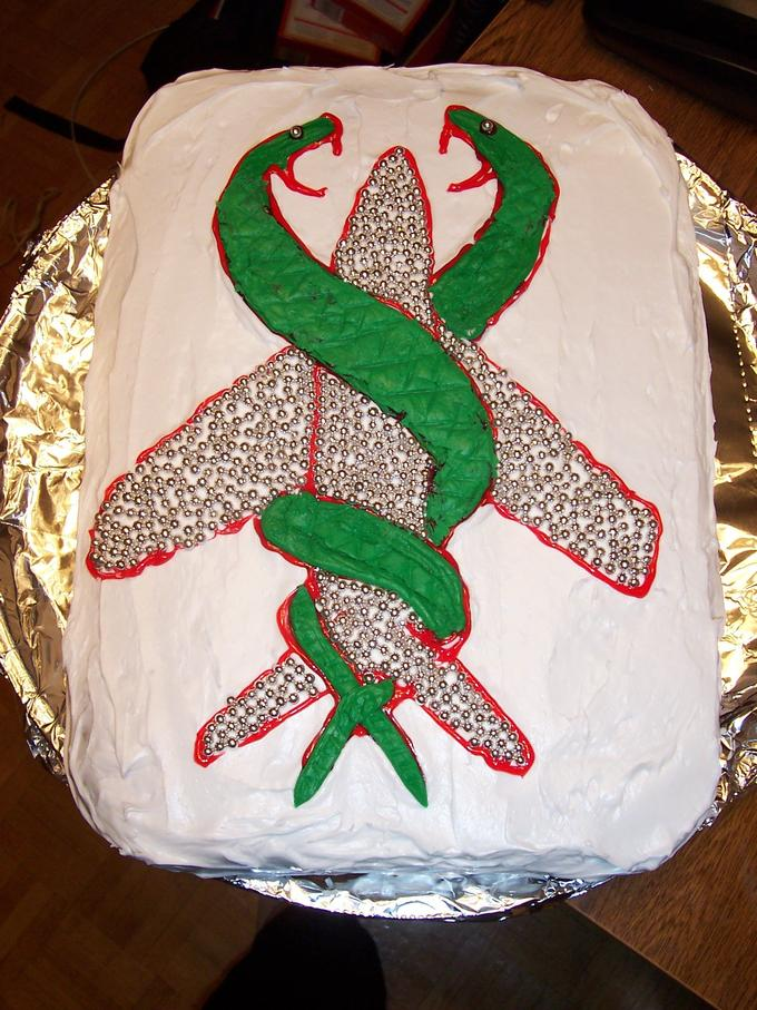Snakes_on_a_plane_Cake_3_by_JadeKiss.jpg