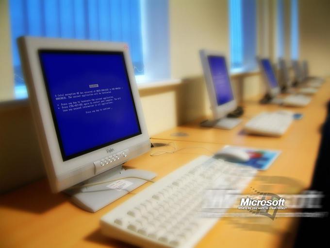 Blue_Screen_by_Karellen.jpg