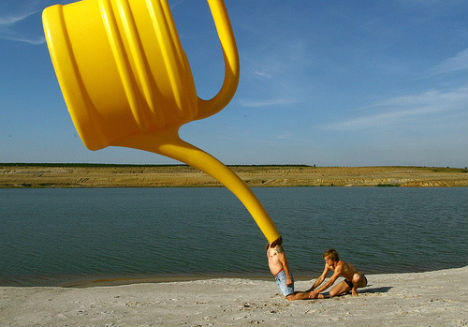 forced-perspective-floating-can.jpg