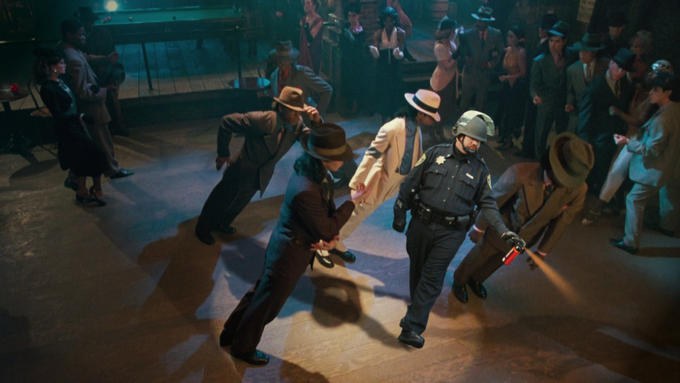 pepperspray-cop-dance.jpg