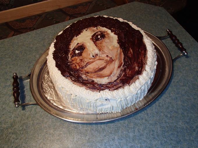 Ecce homo qui est cake