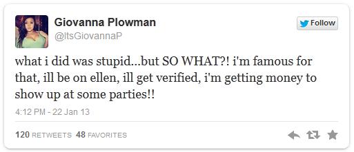 Giovanna Tweets on Video