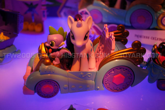 Spike's Swagmobile, featuring Rarity