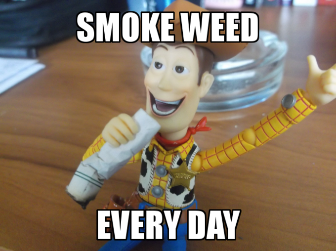 Smoke Weed Everyday woody