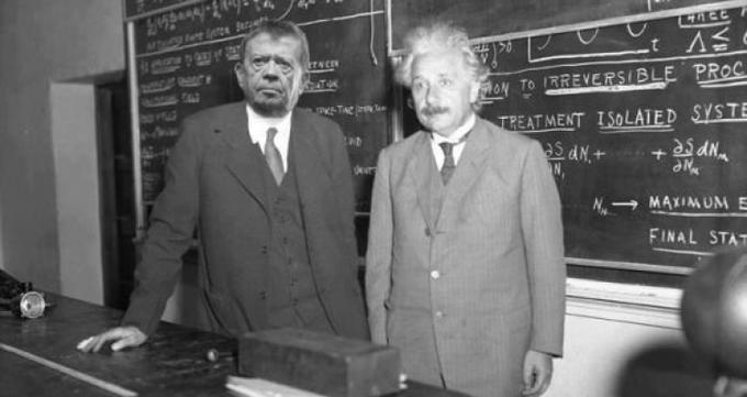 Chabelo and Einstein