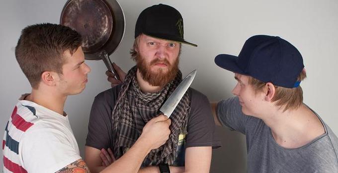 Pan Knife Battle